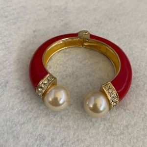 Fashion Bangle Red enamel Gold-tone pearls 6""